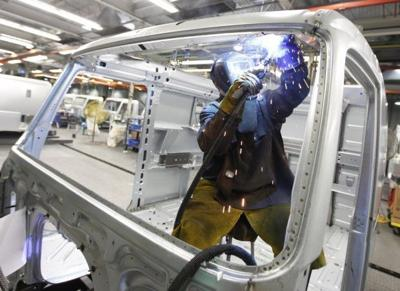 Manufacturing hiring stalled last year