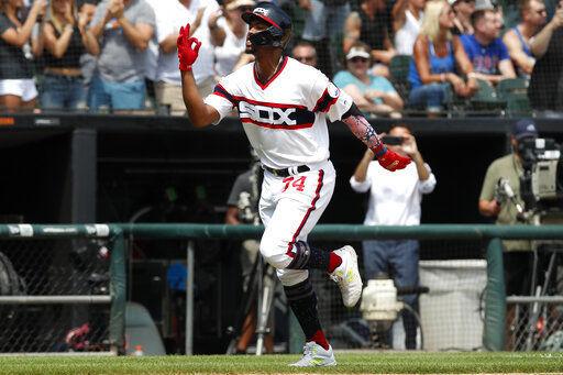 Nova gets home win as White Sox beat Cubs 3-1