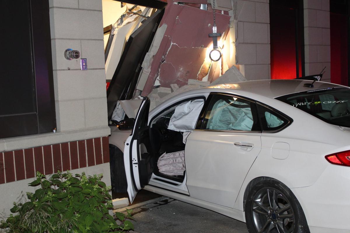 Car crashes into El Salto Restaurant