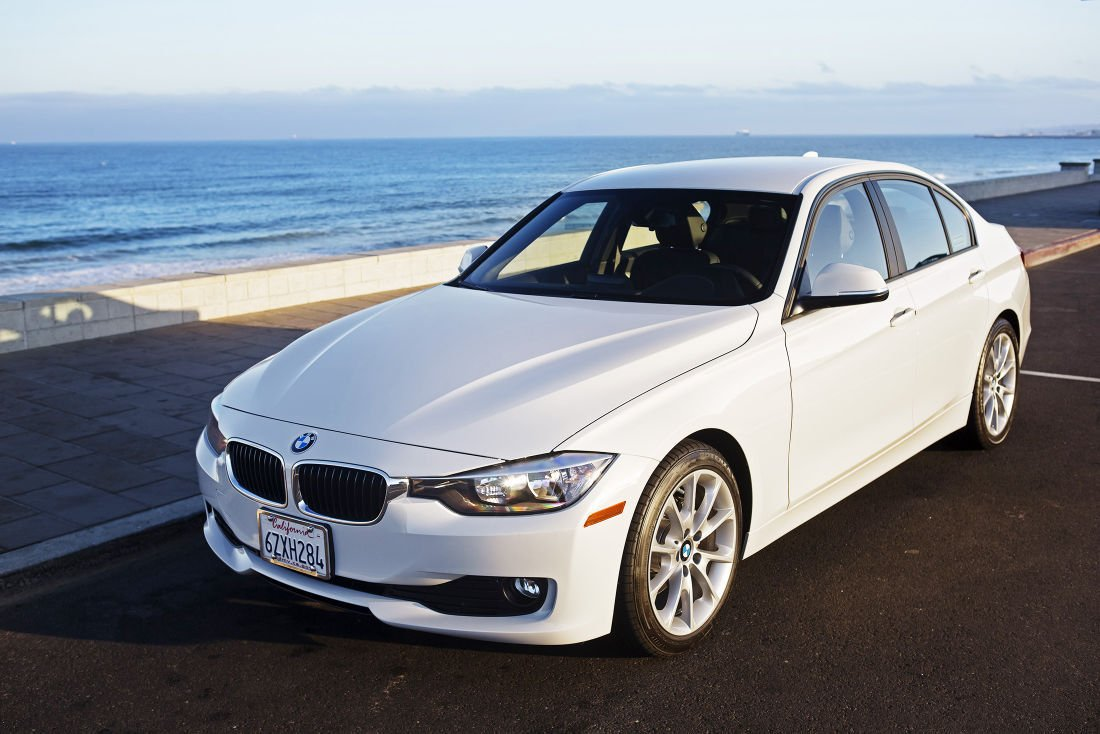 A Bargain Series BMW I Fills Entrylevel Slot In Lineup - Bmw 320i series