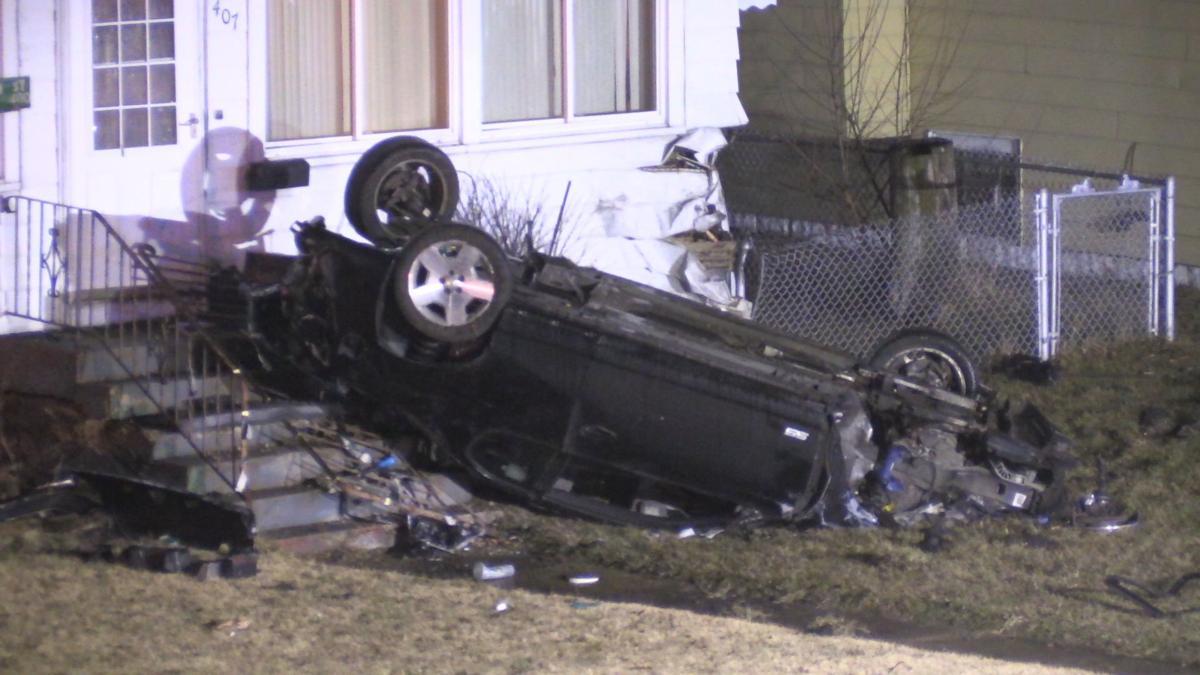 Coroner on scene of wreck in Hammond