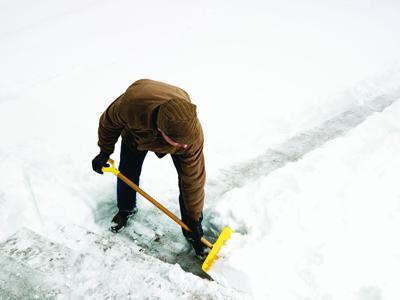 MarApr2016GH_shoveling