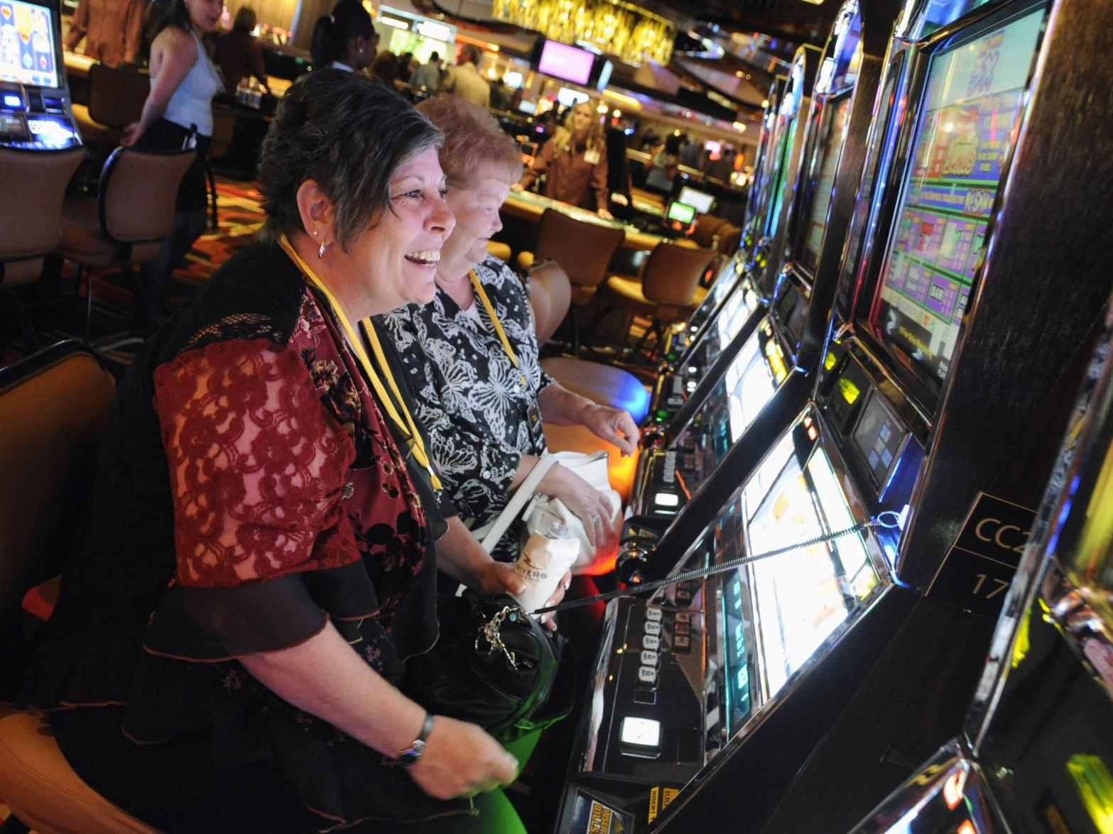Illinois casinos, slots in bars reopen Wednesday | Gambling | nwitimes.com