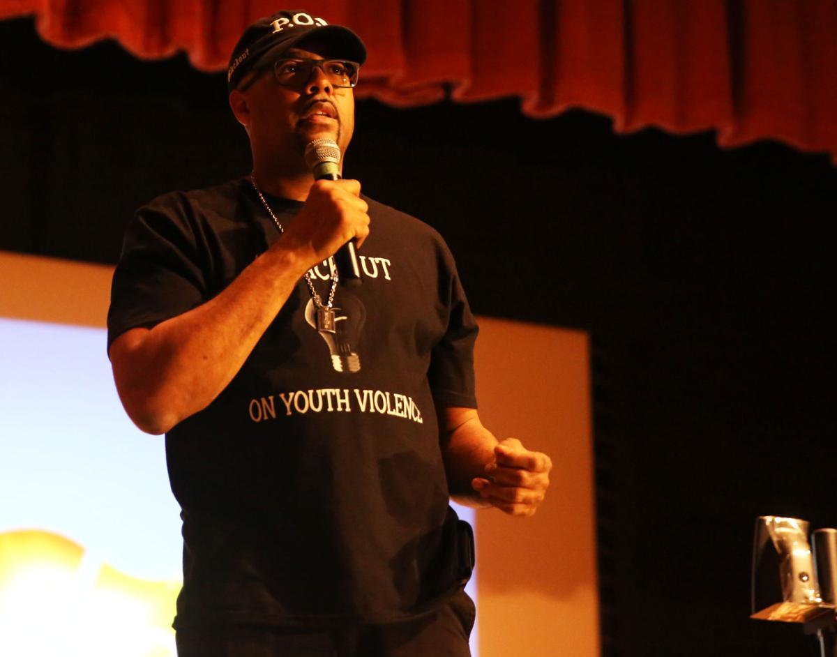 Anti-violence week tour