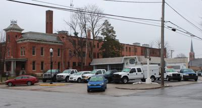 Crown Point used car lot raises ire of Old Sheriff's House