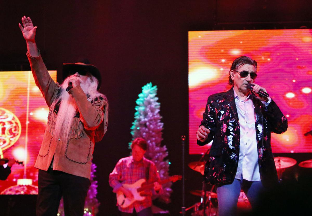 Oak Ridge Boys bring Christmas show to Rialto Square Theatre | Music ...