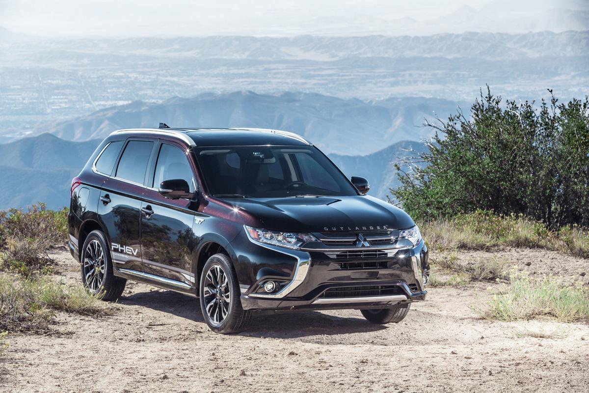 Mitsubishi Outlander Phev Achieves 100 000 S Milestone In Eu