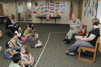 Lansing library offers bilingual story time, adds Spanish