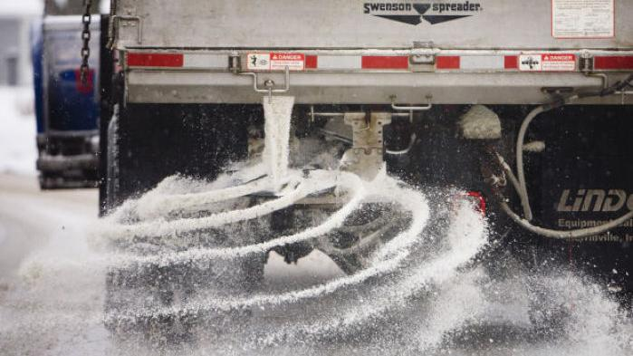 Road salt supplies questionable for some Ill , Ind  departments