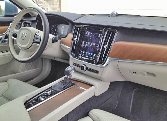 Volvo S90 front cabin