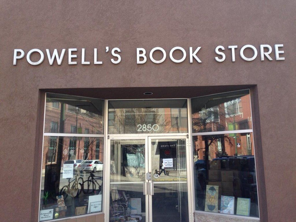 Powell's Books by UIC to close