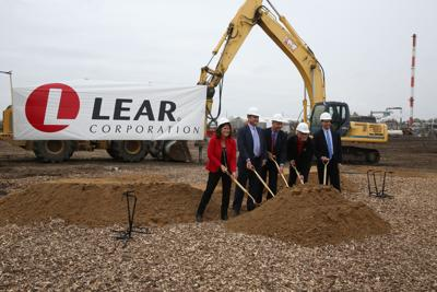 Lear CEO to step down in February