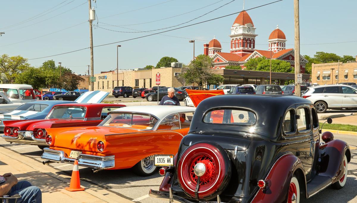 Crown Point car cruise - Bulldog Park