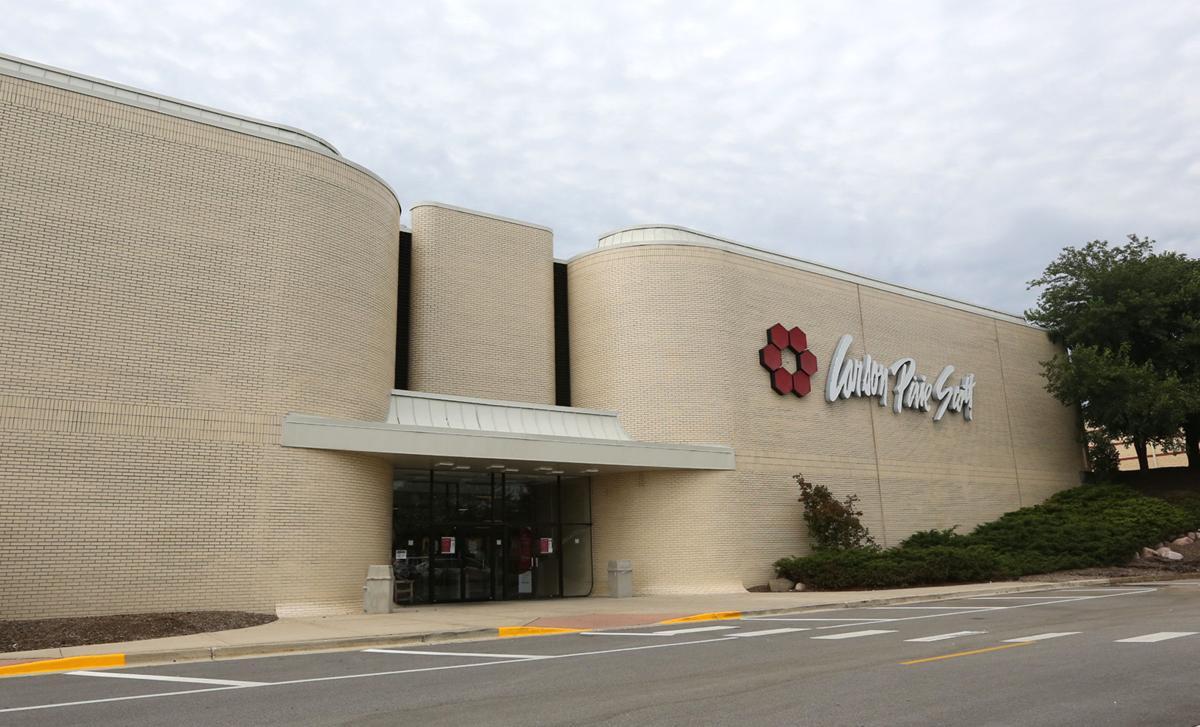 Southlake Mall and Woodmar Carson's adding optical shops