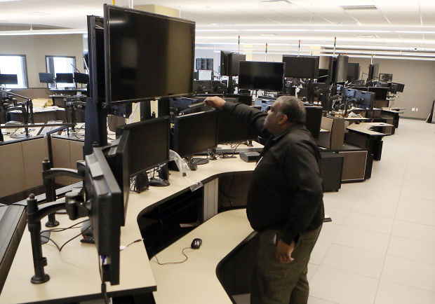 lake county e 911 dispatchers vote to unionize lake county news. Black Bedroom Furniture Sets. Home Design Ideas