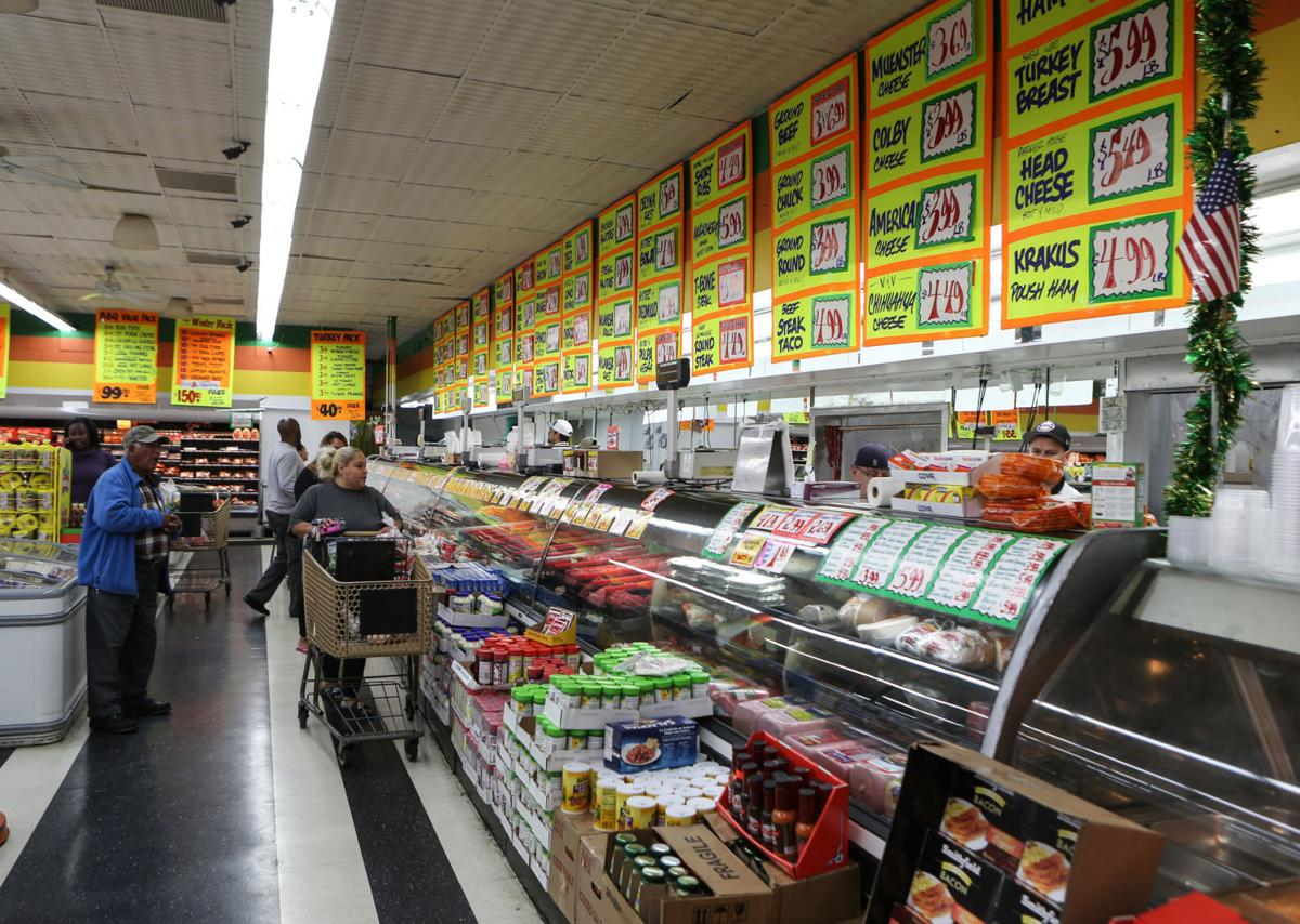 Local grocery stores scrambling to find new suppliers after Central Grocers bankruptcy