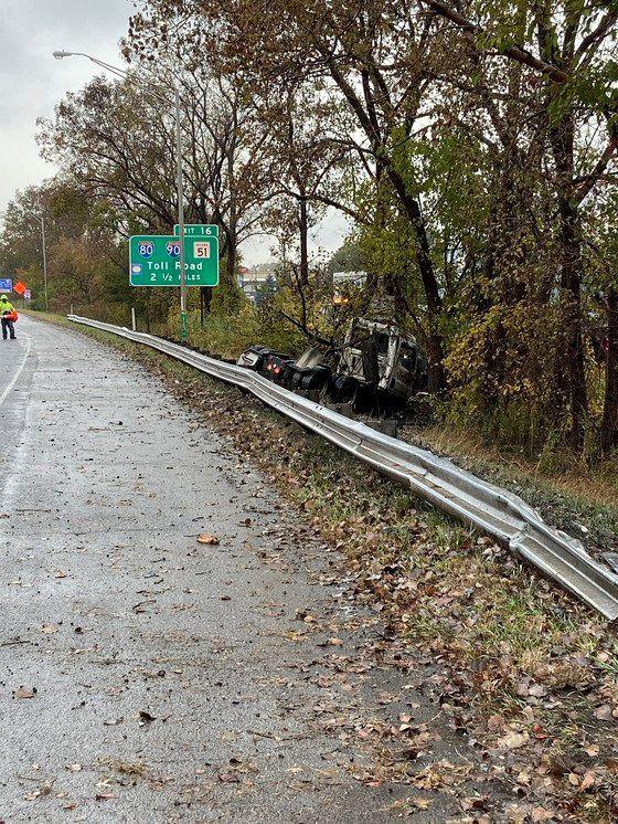 Semi driver dies in crash on I-94 near Portage, police say