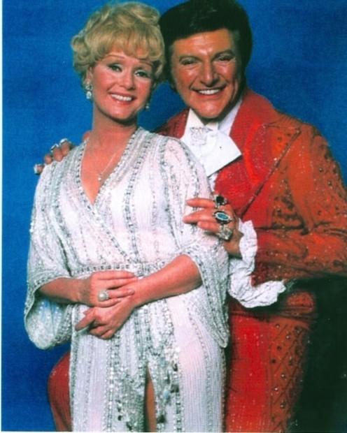 Debbie Reynolds and Liberace in Las Vegas 1976