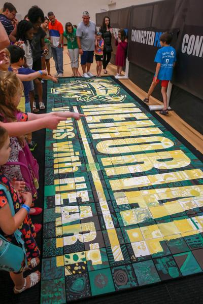 Valparaiso's Memorial Elementary School students unite with back-to-school art project