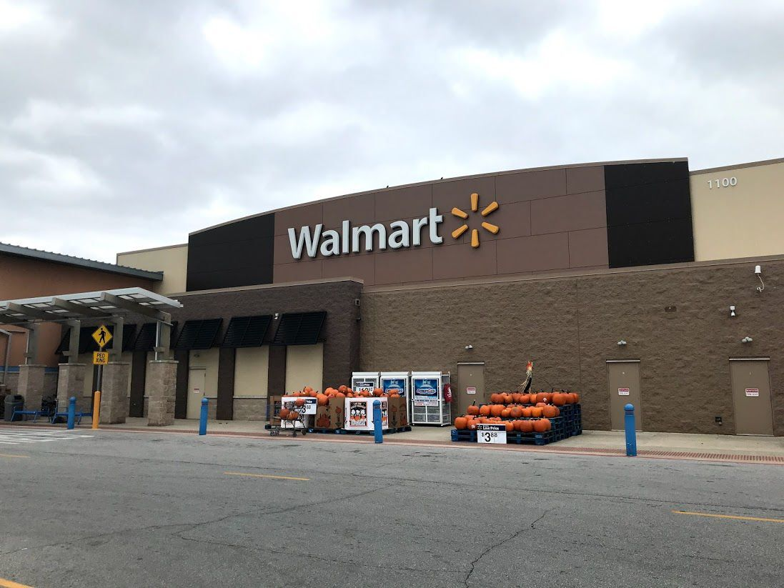Walmart pharmacies are now giving COVID-19 vaccines to walk-in appointments (copy)