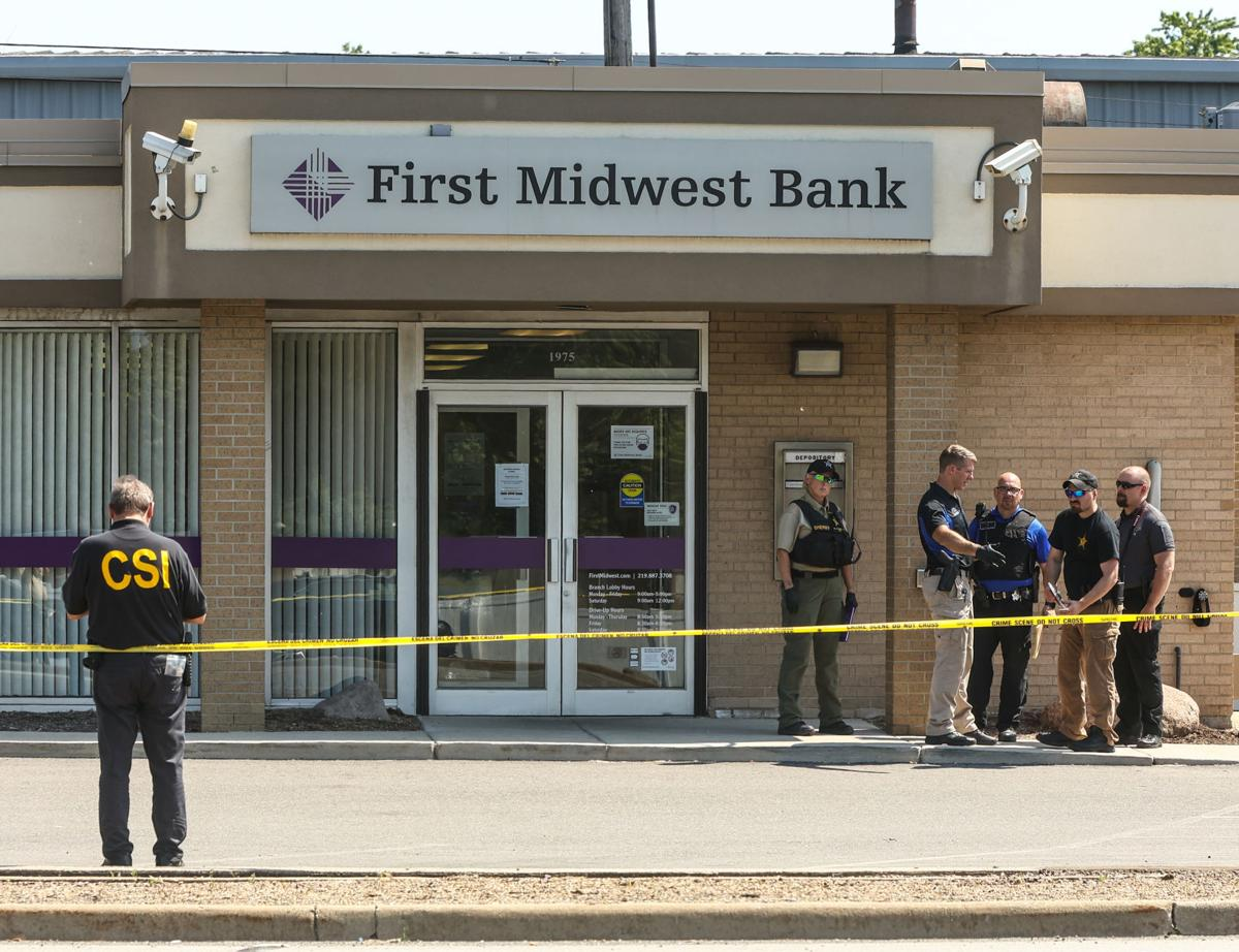 First Midwest Bank robbery - guard killed