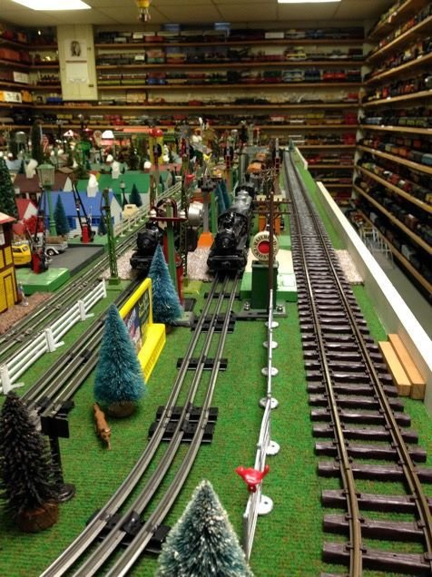 Strange All Aboard For The Model Train Show This Weekend At Lake Home Remodeling Inspirations Basidirectenergyitoicom