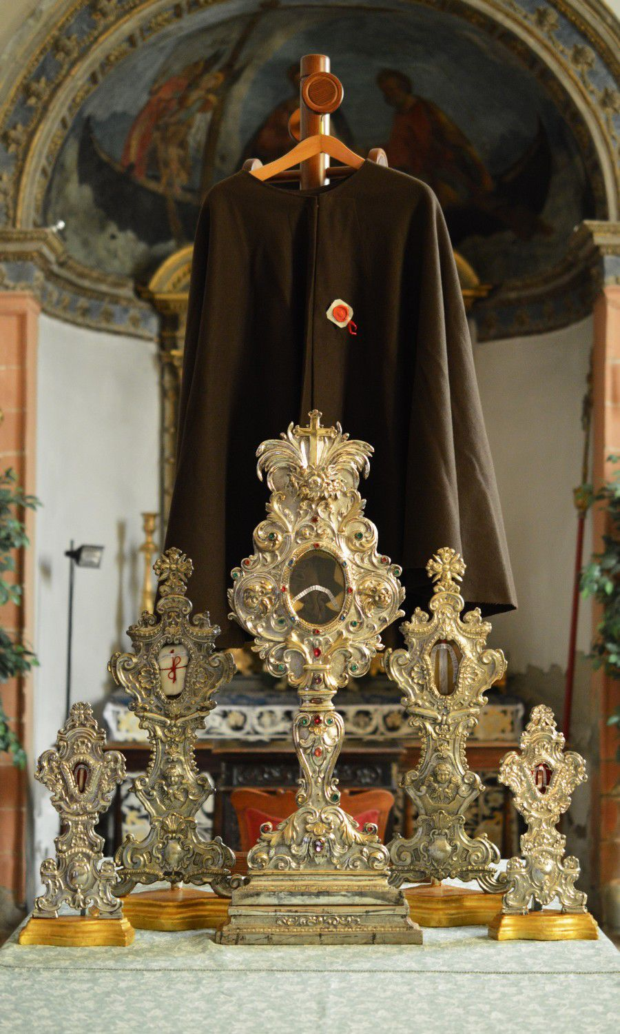 Unusual phenomena associated with the relics of the saints