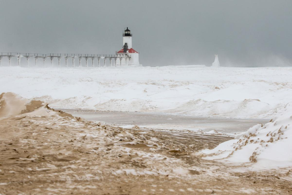 Michigan City warns people to stay off the shelf ice on Lake Michigan