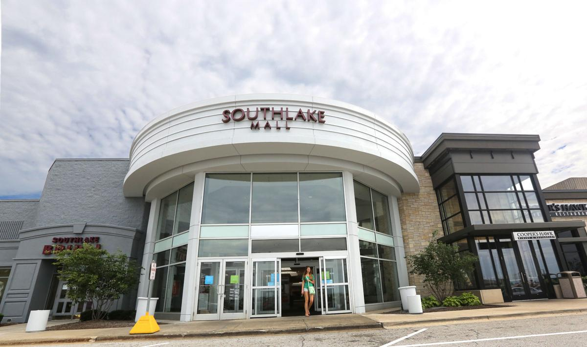 Francesca's boutique opens in Southlake Mall