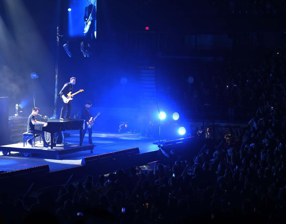 CONCERT REVIEW: Panic at the Disco stirs hysteria at rockin