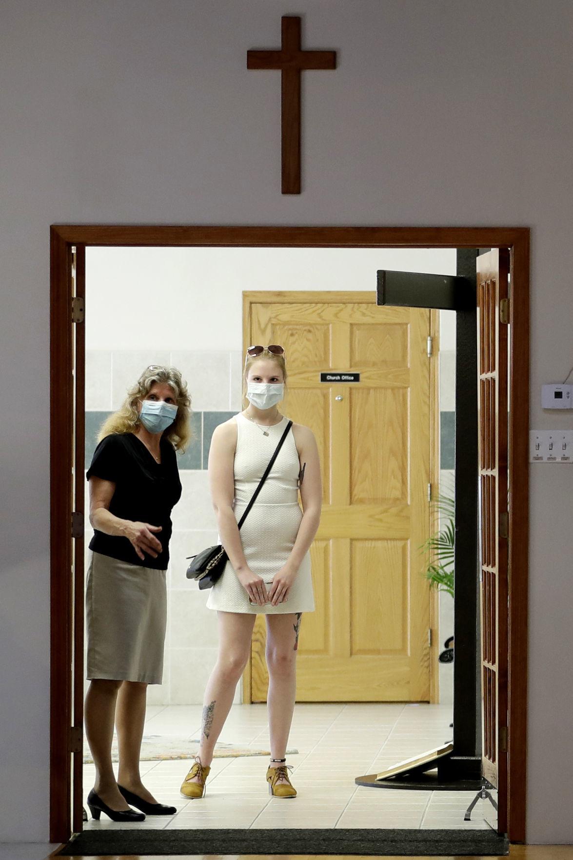 APTOPIX Virus Outbreak Churches Reopen Illinois