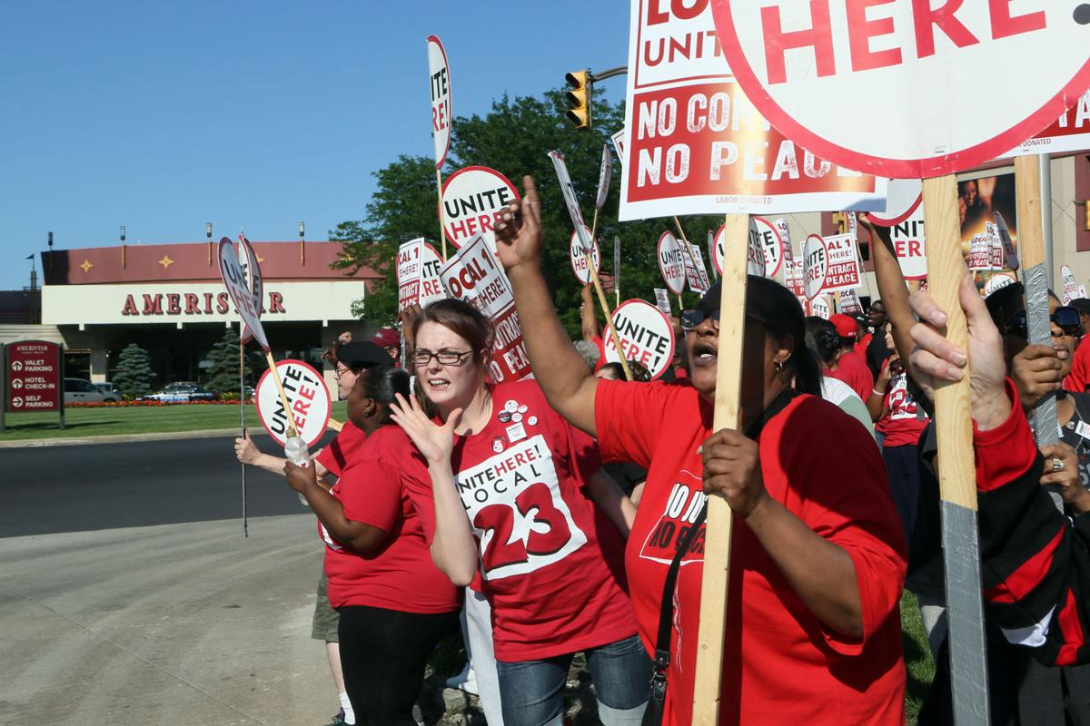 Hundreds rally at Ameristar to protest union health care changes