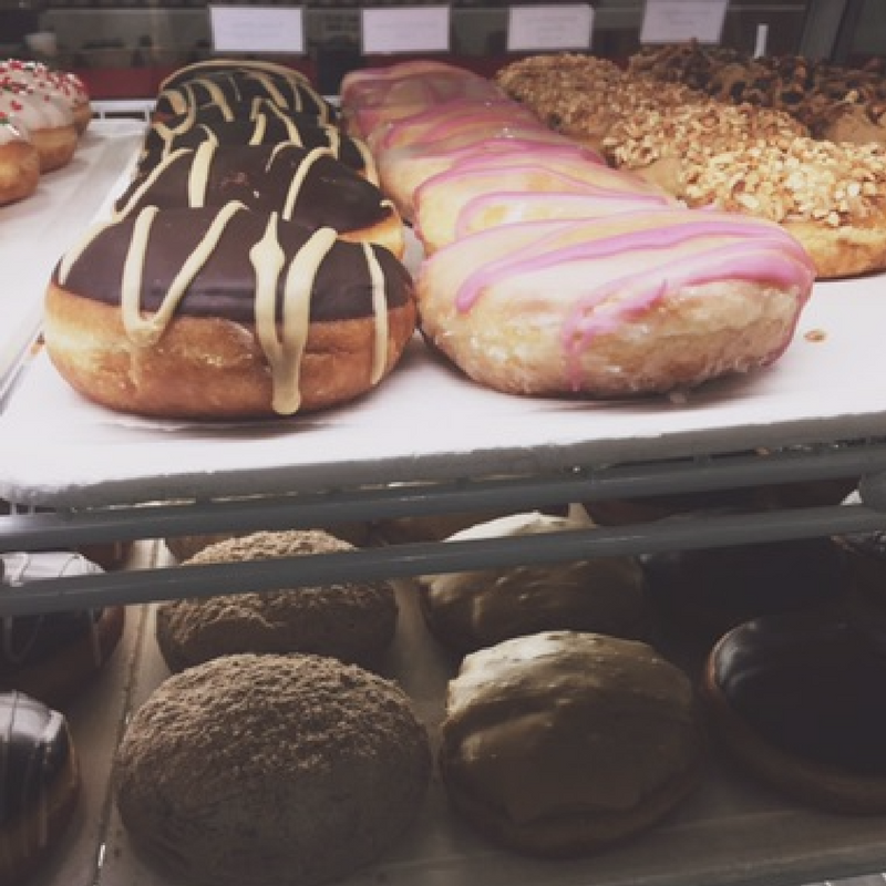 New Amish donut shop opens in Valpo, has ice cream-filled donut