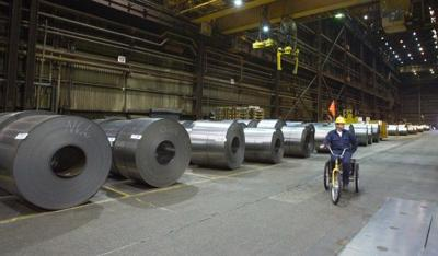Steel shipments and exports both fall steeply year-over-year