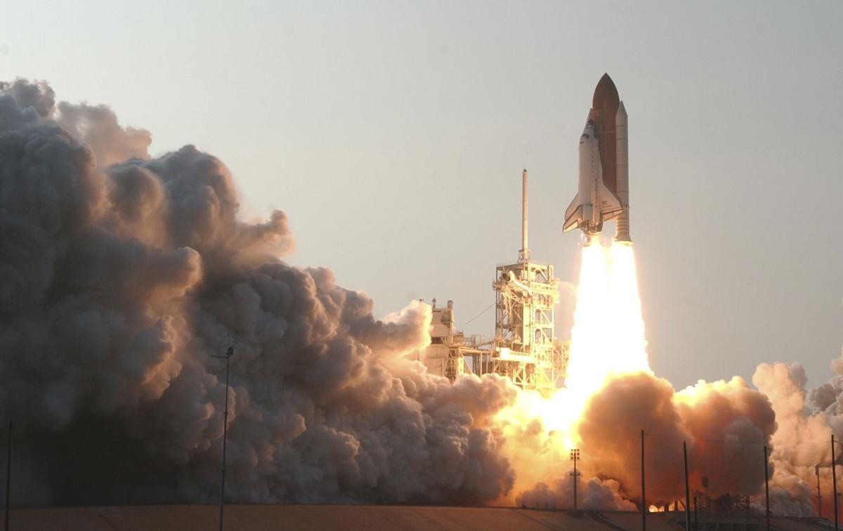 NASA exhibit observes 30th anniversary of Challenger ...