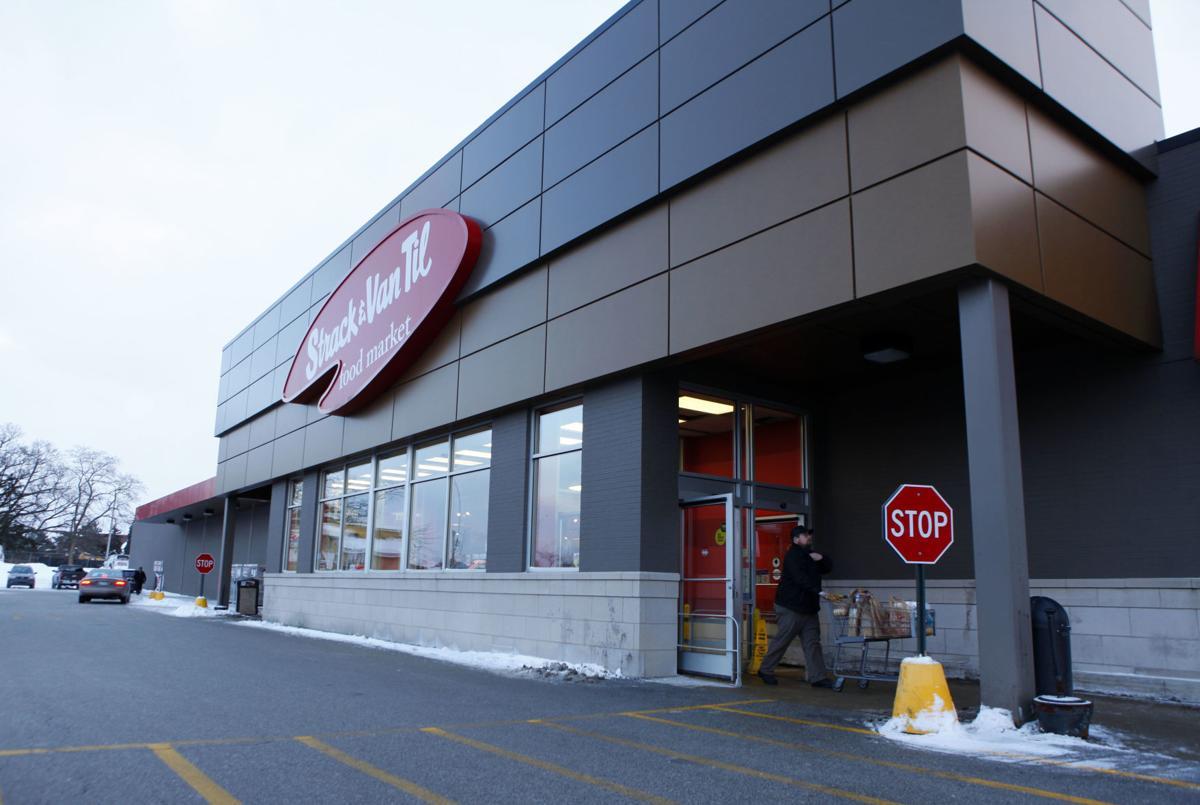 Strack & Van Til shopping rush