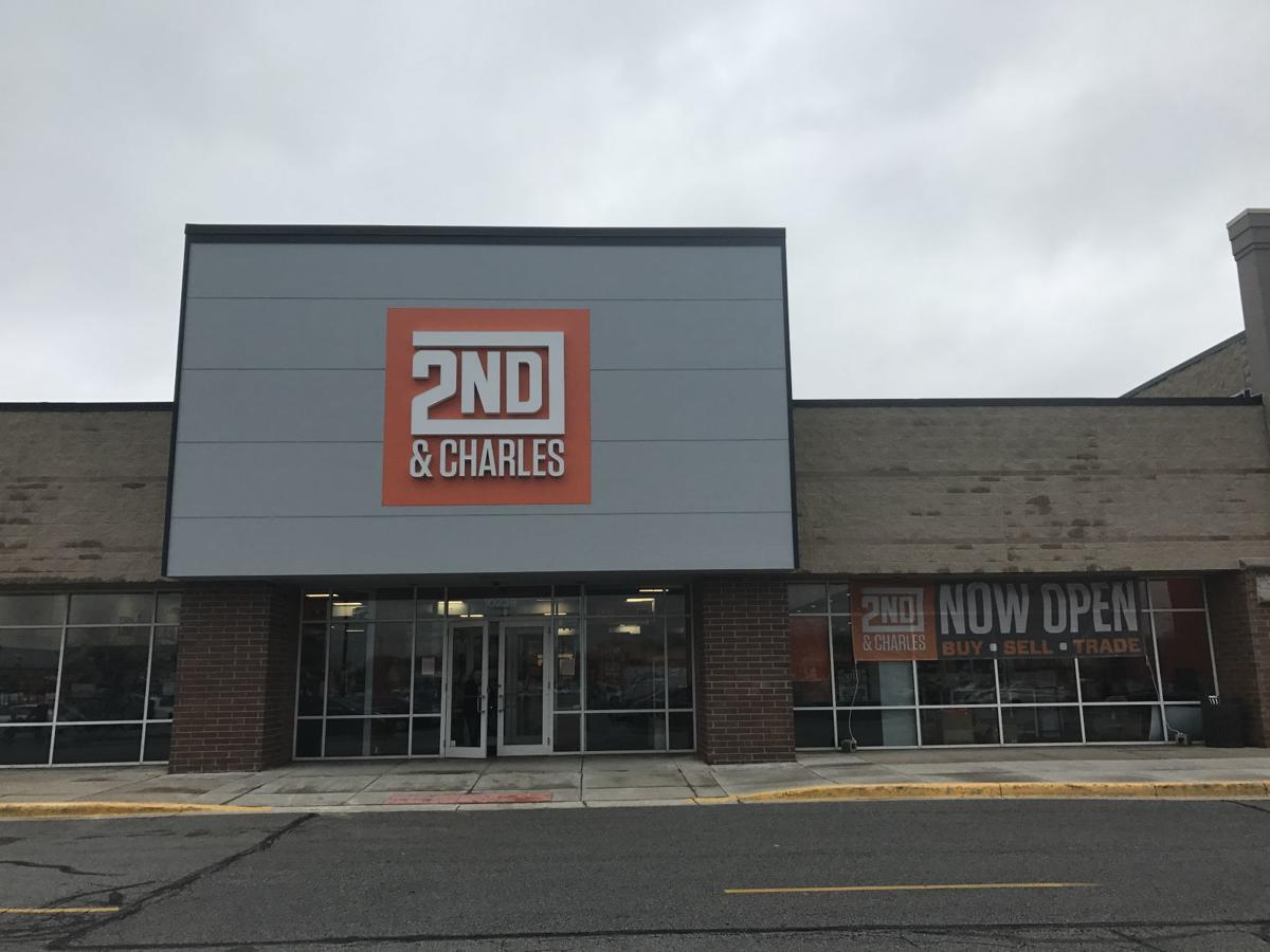 Chain bookstore opens in mall that once had Borders