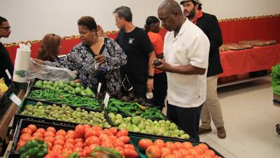 New produce market opens in East Chicago