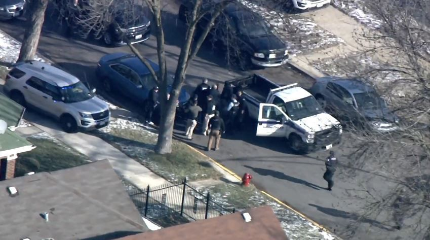 UPDATE: Lake County sheriff's officer, K-9 injured in pursuit; suspect taken into custody in Chicago
