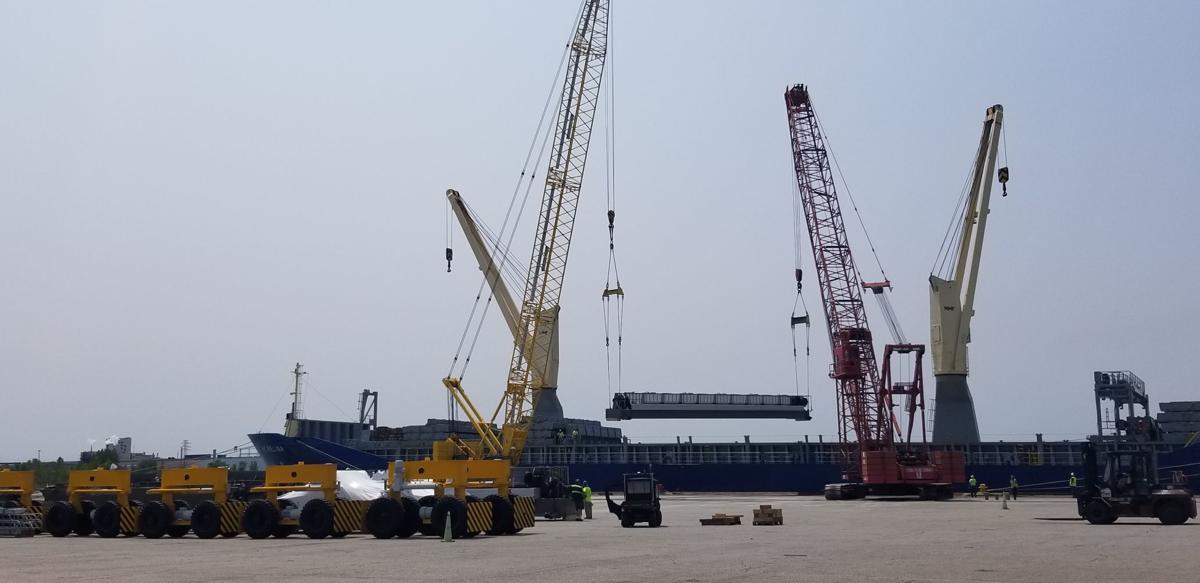 Harbor Freight Gantry Crane >> Port Of Indiana Burns Harbor Handles Rubber Tire Gantry Cranes For
