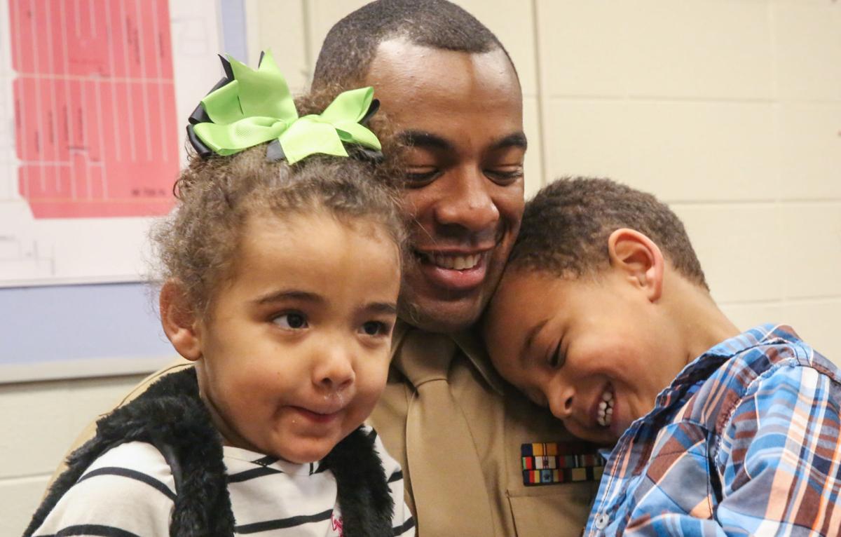 Marine dad surprises his kindergarten son
