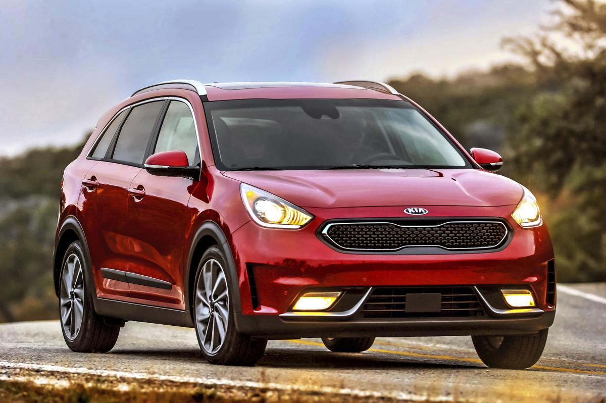 The 2017 kia niro kia s newest vehicle is the lowest priced gasoline electric hybrid suv on the market and is rated as high as 50 miles per gallon in