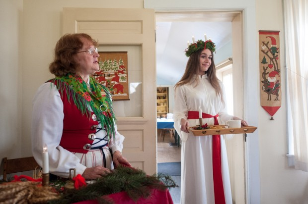 Re-enactors keep Swedish, French Christmas traditions alive