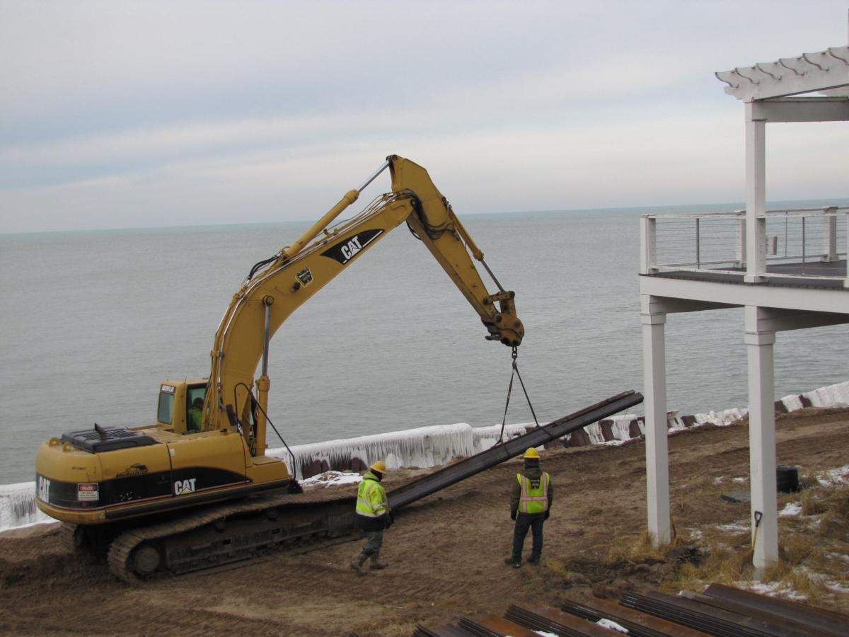 Long Beach homeowners try to battle Lake Michigan erosion
