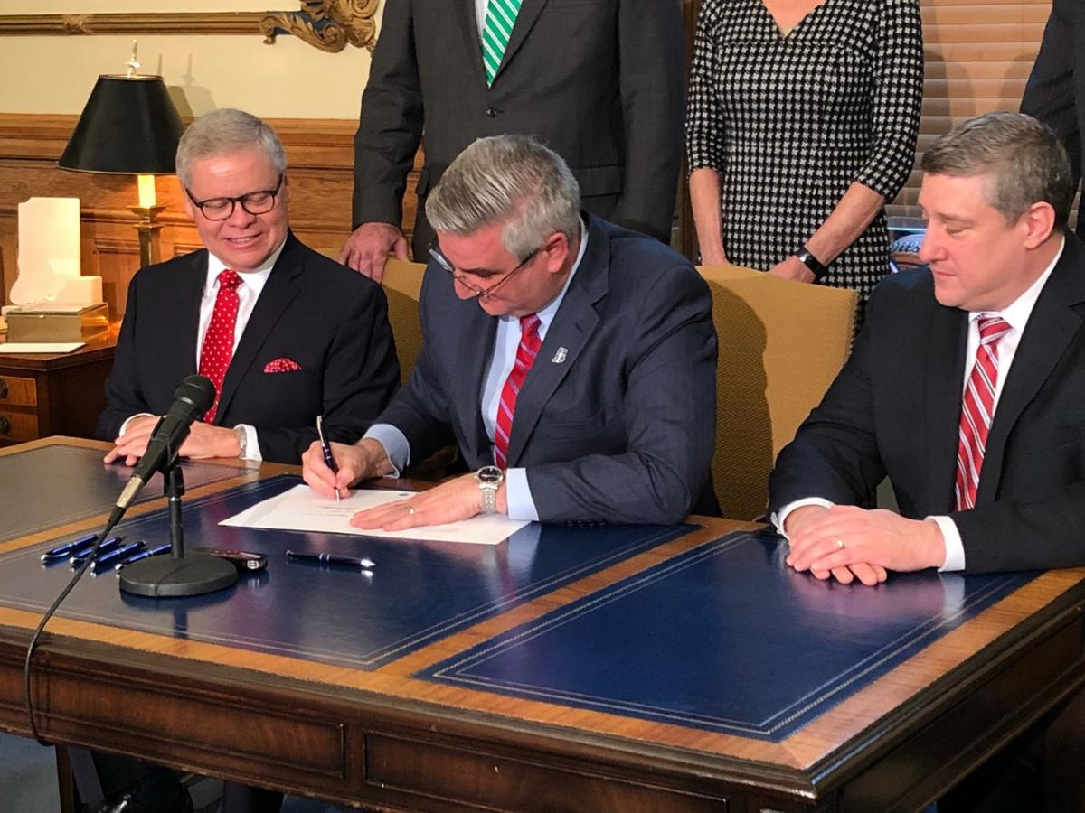 Gov. Holcomb legalizes Sunday retail alcohol sales; Hoosiers can buy beginning this Sunday