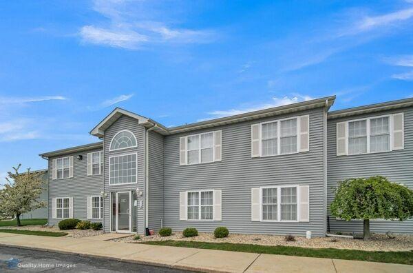 2 Bedroom Home in Merrillville - $95,000