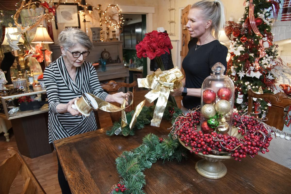 Region florist, garden center offer tips and trends to deck the halls and more