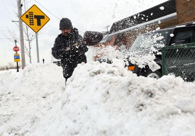 Forecast: Accumulating snow, below zero wind chills