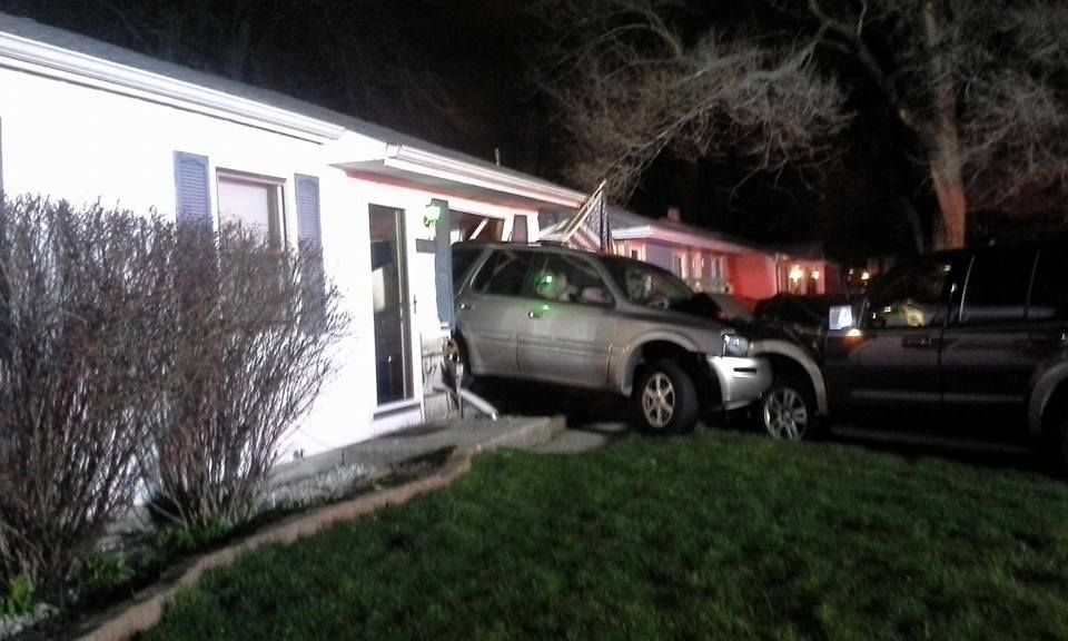Car crashes into hammond living room lake county news for The living room channel 10 tonight