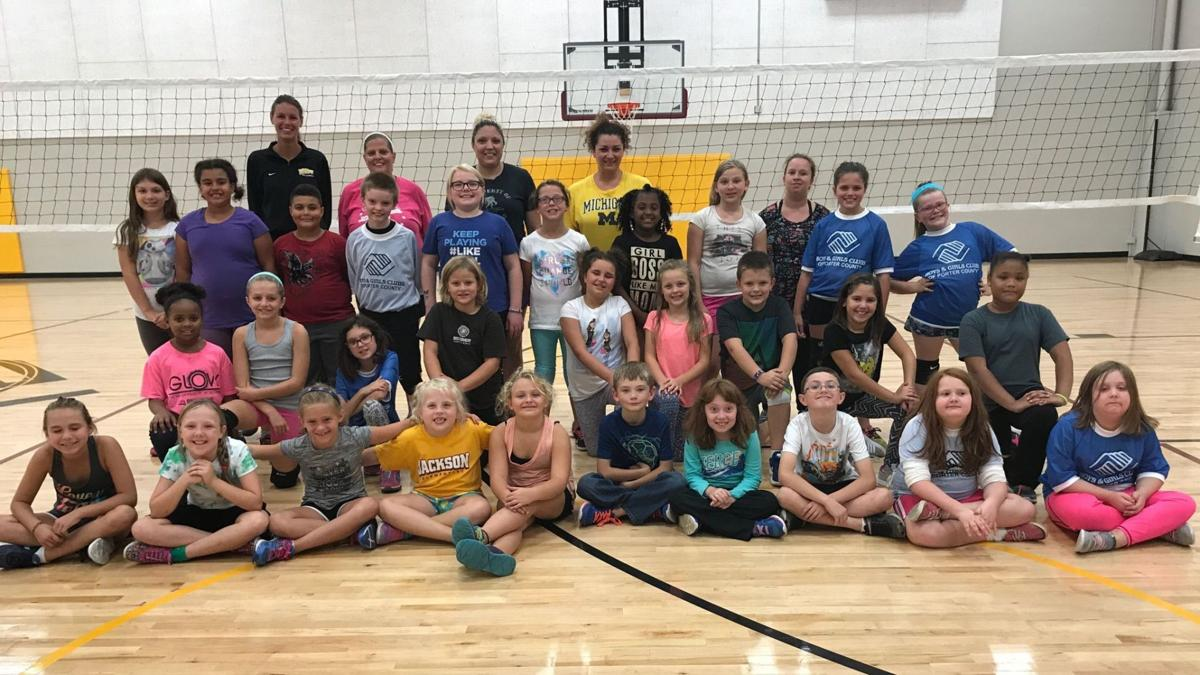 Volleyball clinic kicks off league